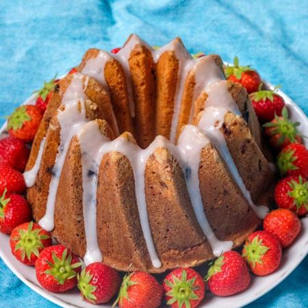 Aardbeiencake met Griekse yoghurt